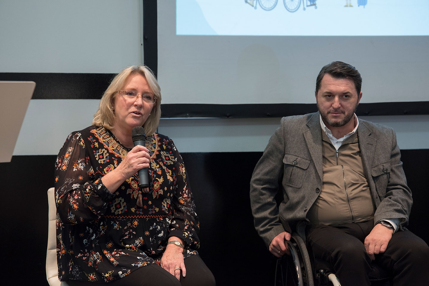 Ana-Garcia-Francisco-Sardon-Presentation-Congress-Madrid-in-November